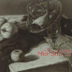 素描静物范画苹果玻璃杯香蕉瓷杯子