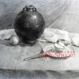 素描静物组合盘子平视水果刀柿子黑罐子梨子