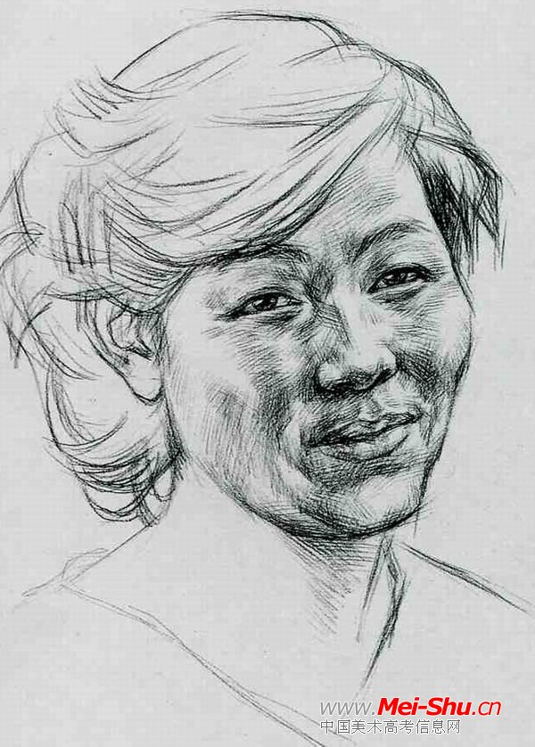中年妇女—真人头像—美术高考素描教程
