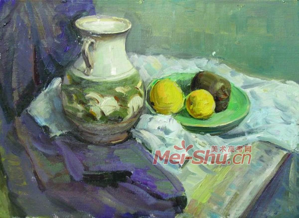 罐子,梨子,盘子,紫色的台布,白色的台布,梨子,橘子,土豆,青花蓝色的台布,黑色梨子,瓶子,花瓶,黑色的台布,白色的台布,苹果,红色的苹果,白色台布,绿色的台布,花瓶,白色的台布,黄色的梨子,橘子,黑色的花瓶