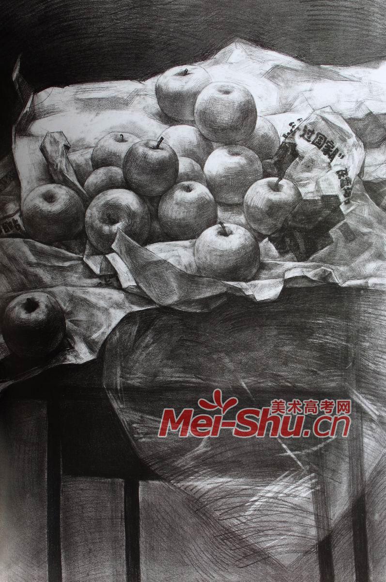 素描范画,苹果,一堆苹果,报纸,纸张