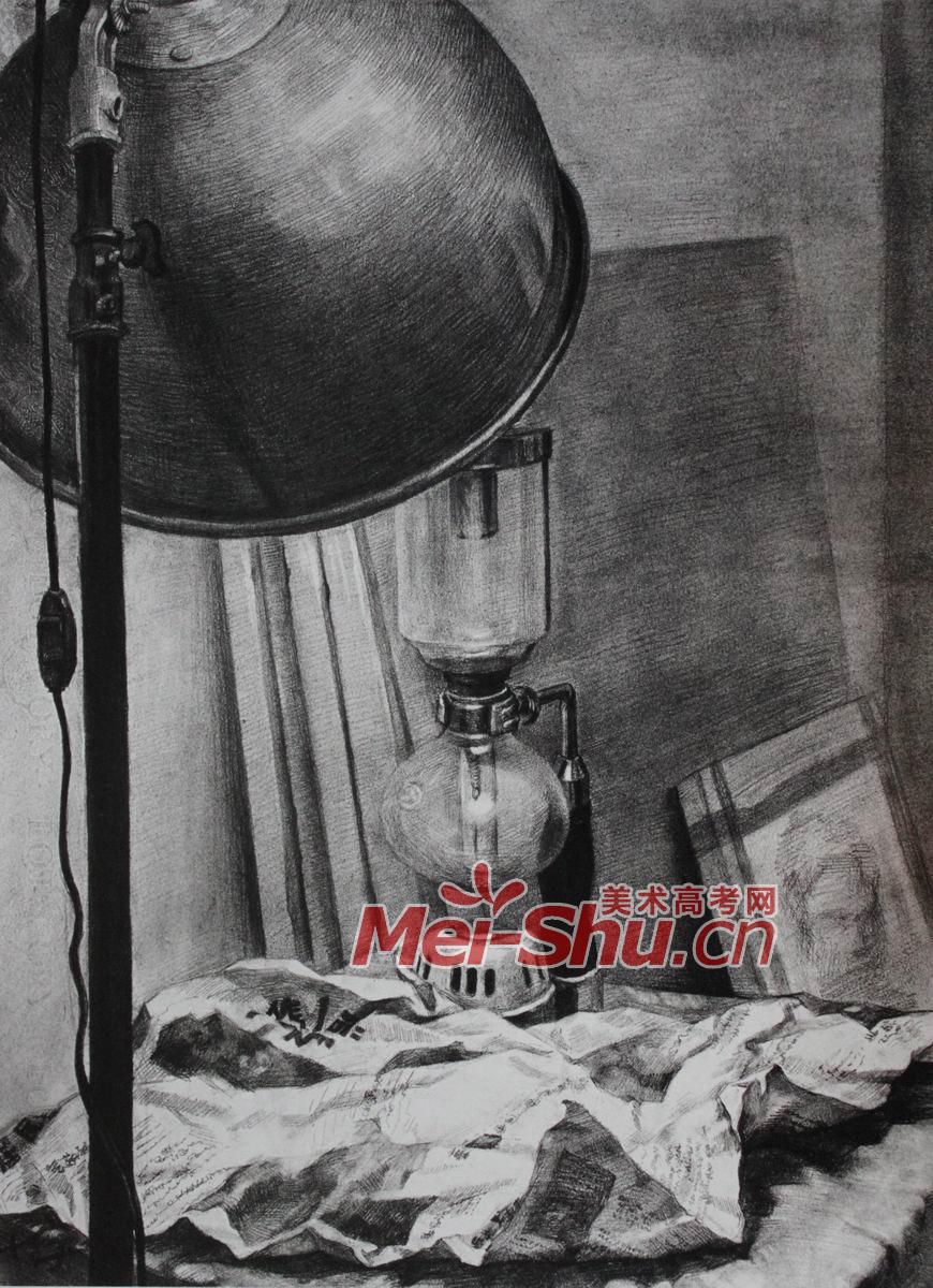 素描头像纸箱子矿物氨水瓶子暖奶瓶子塑料瓶子_中国美术高考网; 台灯