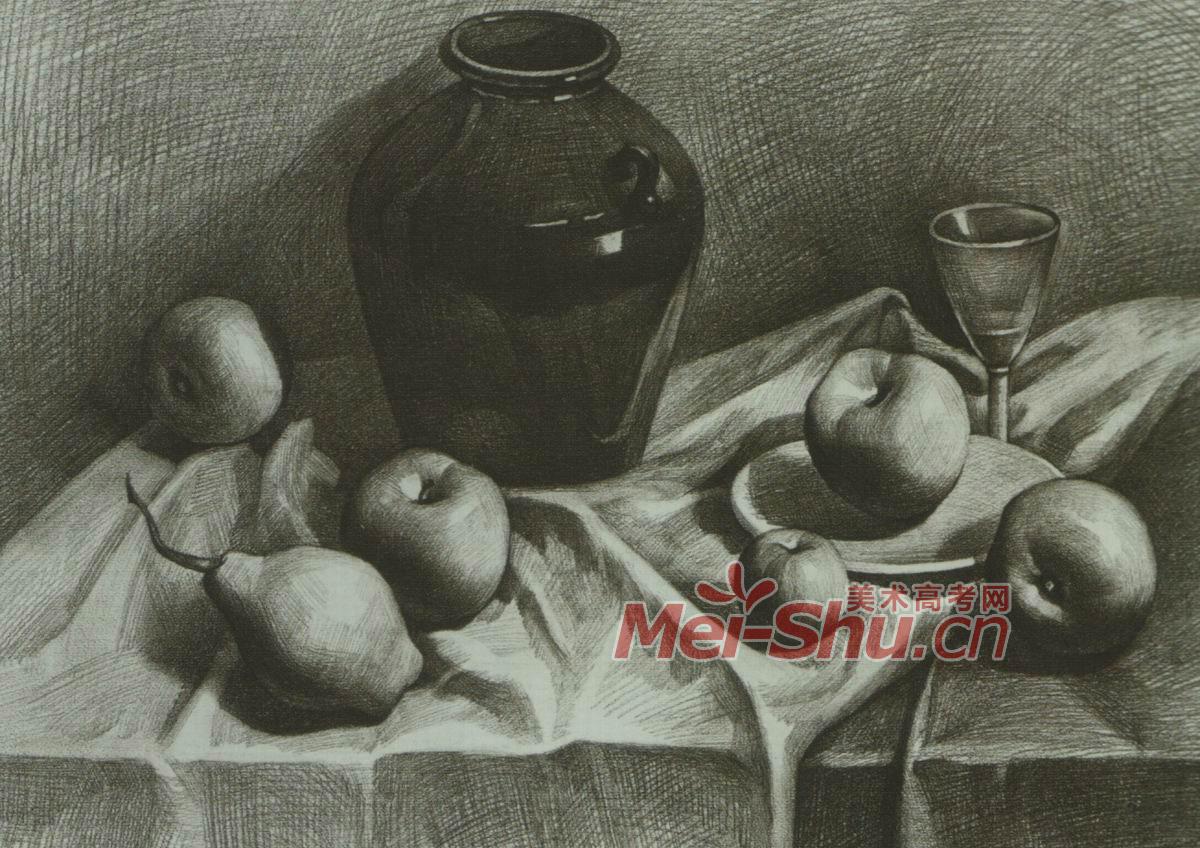 素描静物写生,黑罐子,水果类,苹果,梨子,白台布,玻璃杯,灰台布