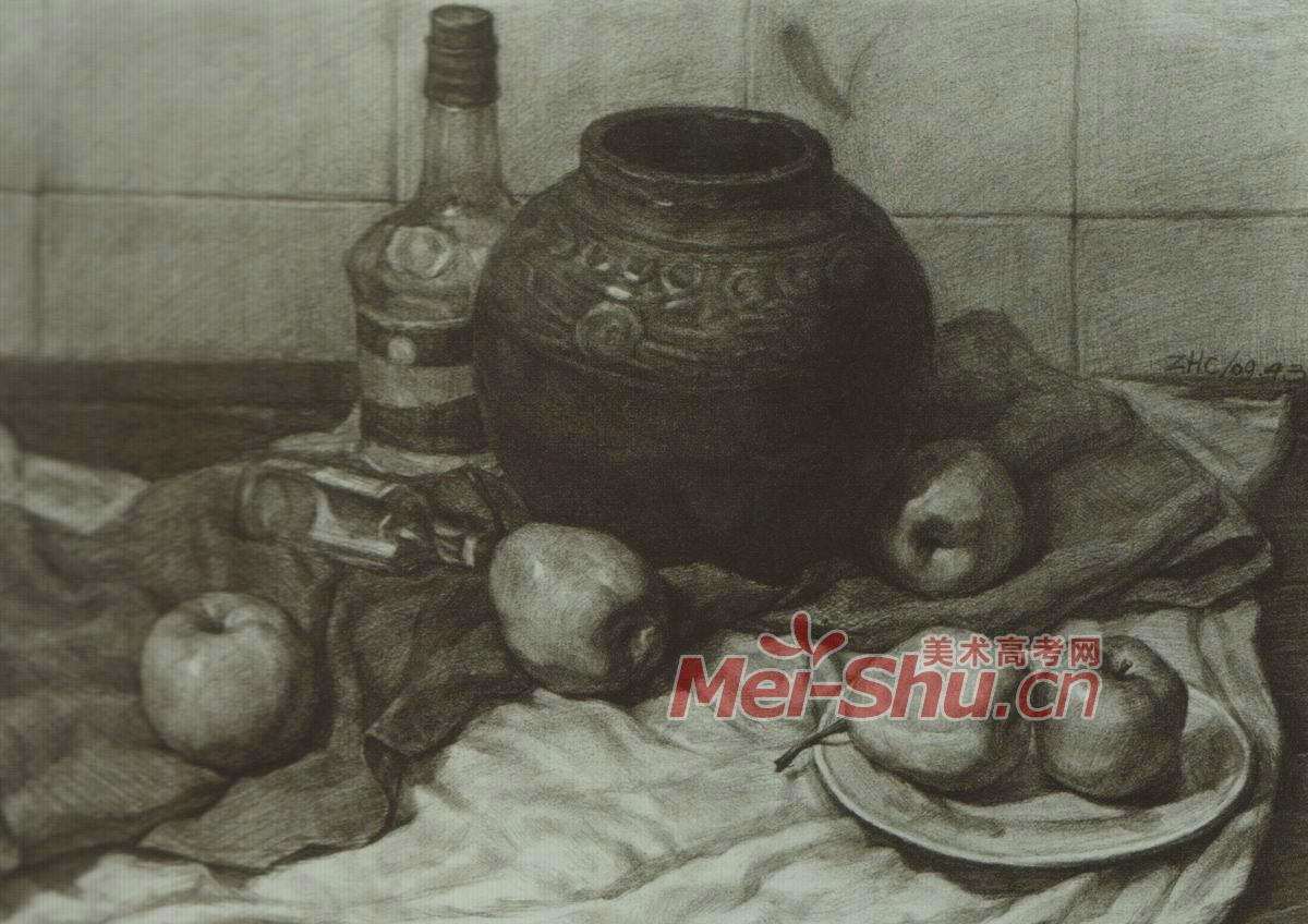 素描静物白盘子篮球鞋子玻璃瓶子老油灯有茶壶_中国美术高考网