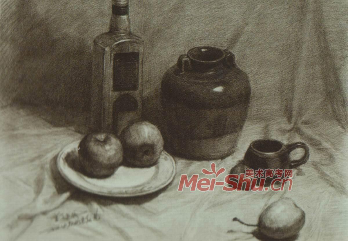 素描静物 罐子 , 瓶子 ,碗   进行一张8开素描写实创作