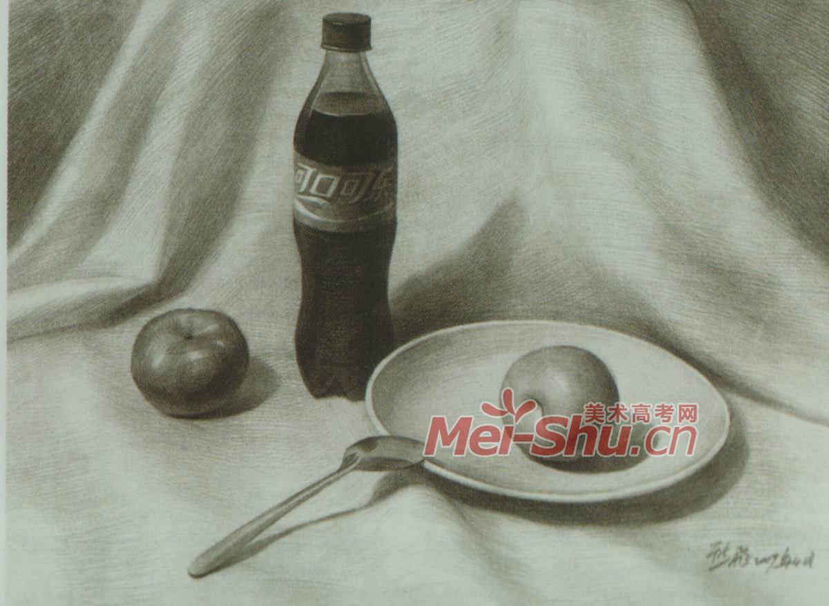 素描静物莲花白啤酒瓶子酒瓶子勺子梨子苹果白