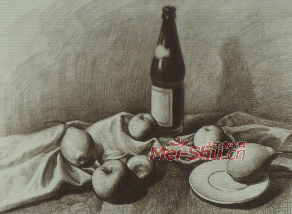 素描静物莲花白啤酒瓶子酒瓶子勺子梨子苹果白台布